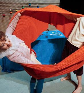 """Spektaklis vaikams """"Šokis puodynėje arba svajonių storulis"""""""